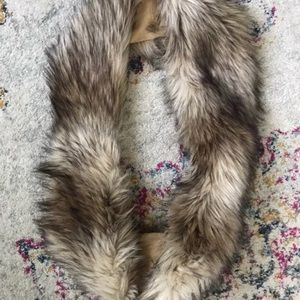 Juicy couture faux fur scarf
